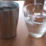 水滴のつかないコップ