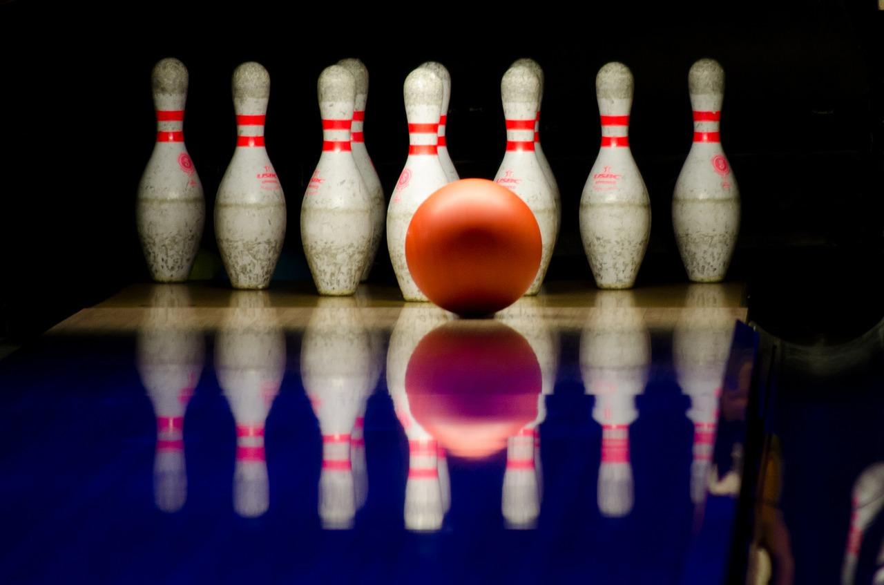 bowling-596766_1280.jpg